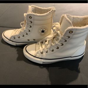 Girls Converse Size 2 Hightop Leather Shoes